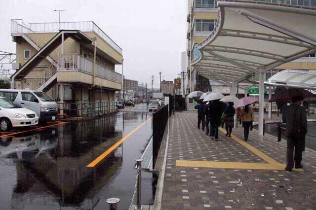 透水路面和非透水路面比较